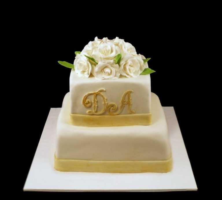 Нежный свадебный торт