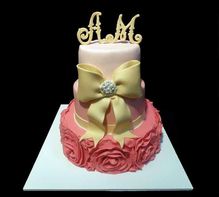 Свадебный торт розовой