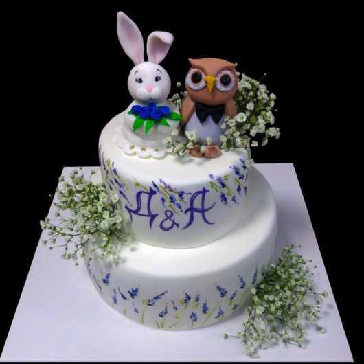 Свадебный торт с зайцем и совой