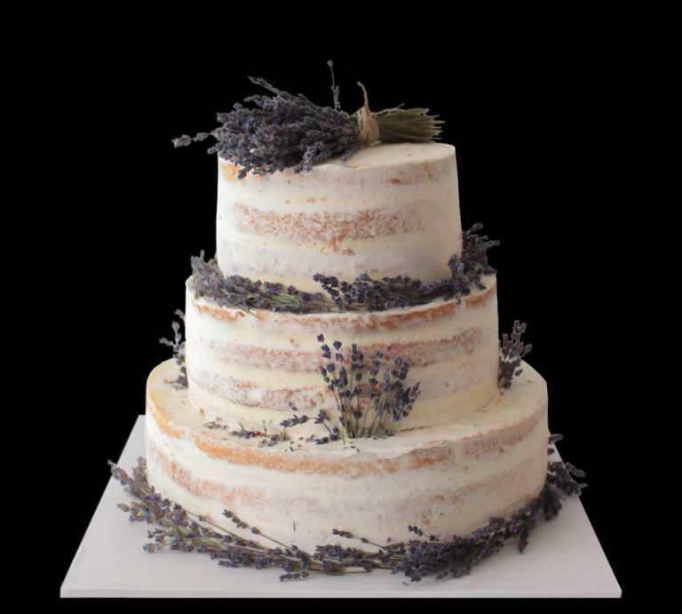 Лавандовый свадебный торт