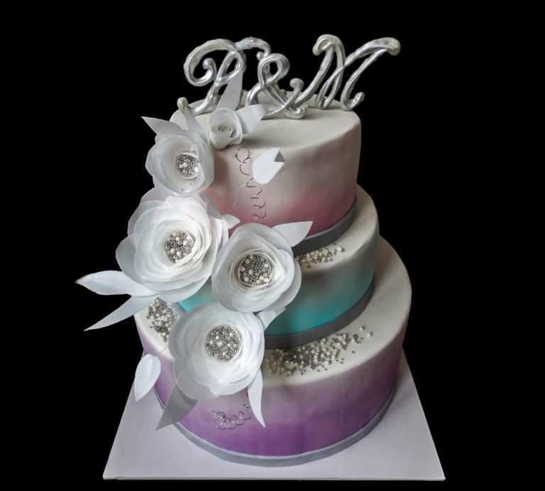 Свадебный торт с Цветами и жемчугом